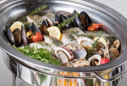 白身魚のロティ レモンバームとハーブのソース